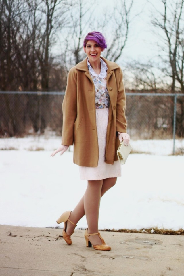 1950s-inspired-outfit-gloves-coat-purple-hair-10