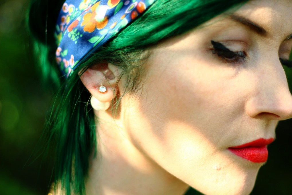 Outfit details: floral head scarf, pearl back earrings Forever 21, black winged liner, red lipstick, vintage
