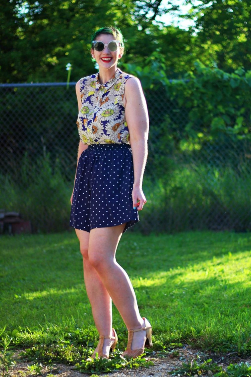 sunglasses-green-hair-vintage-floral-thrifted-summer-outfit-03
