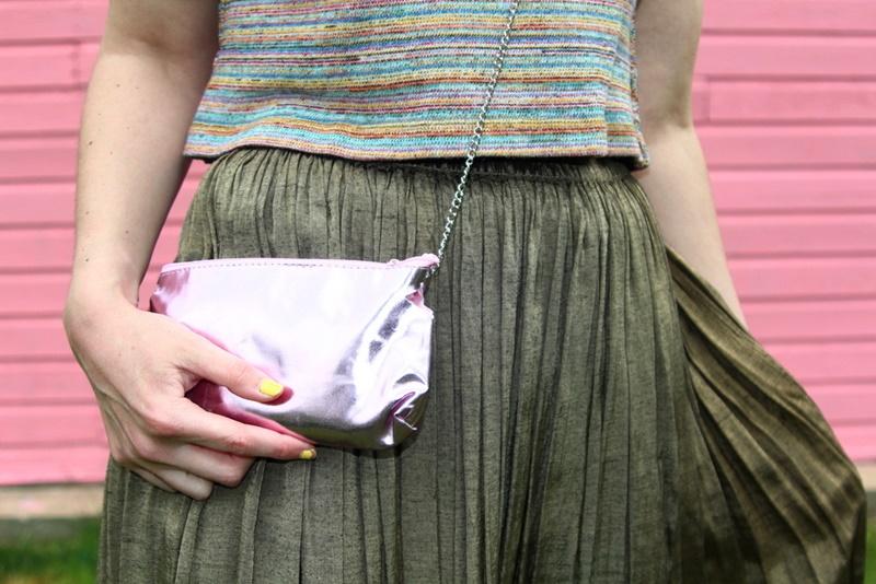 pink wall house garage, outfit rainbow crop top, bronze vintage maxi skirt, walmart flip flops aqua teal, diy pom pom necklace, colourpop heart on lippie stix, diy clutch purse makeup bag