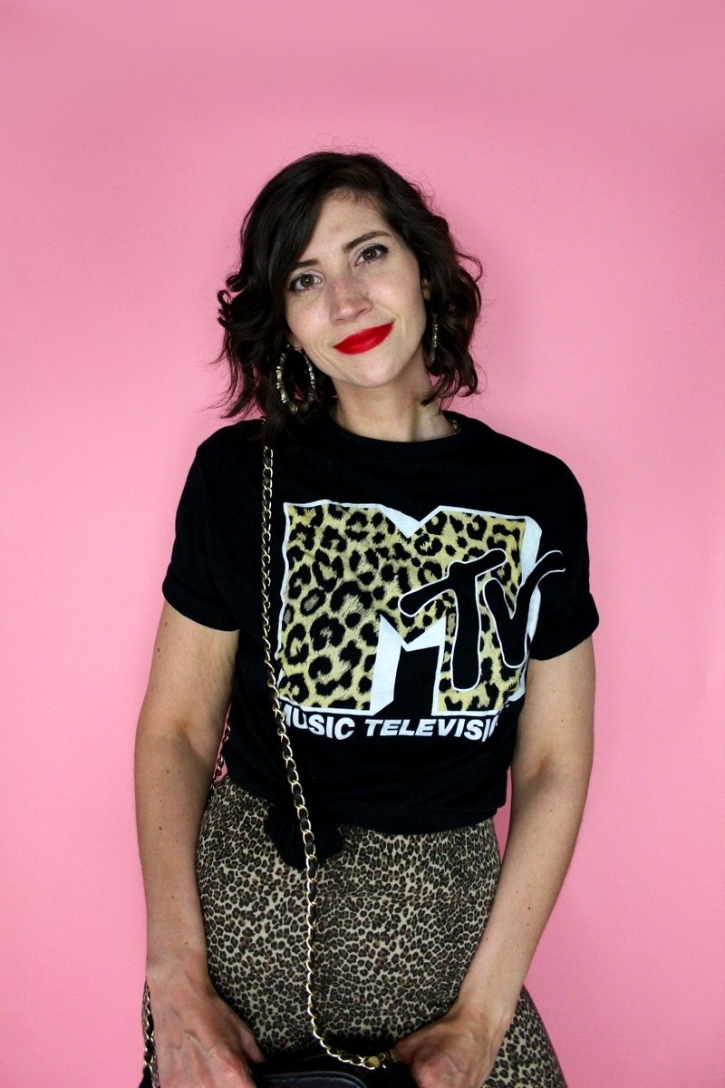 dressing up a graphic t-shirt mtv music fashion hannah rupp the outfit repeater