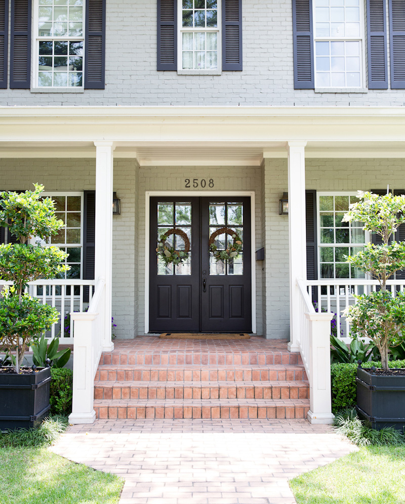 Front Door Inspiration: The Outside & In