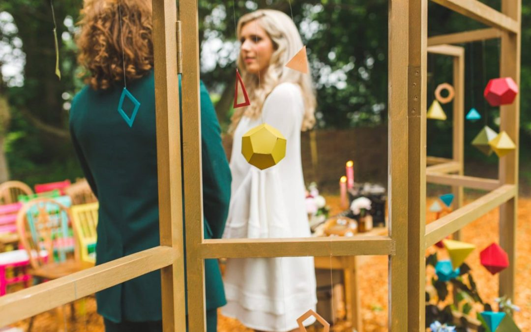 How to create a stunning geometric ceremony backdrop…