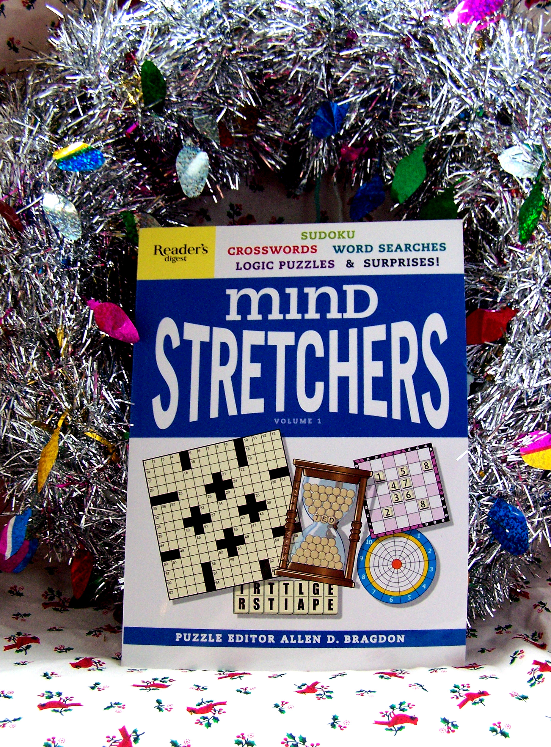mind stretchers, holiday gift guide, book books reading thought thinking problems games crossword soduku puzzles reviews giveaway win prizes christmas readers digest