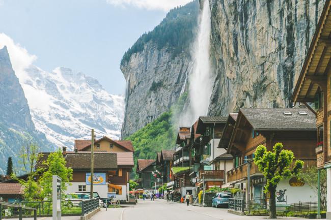 Lauterbrunnen, Switzerland - The Overseas Escape-5