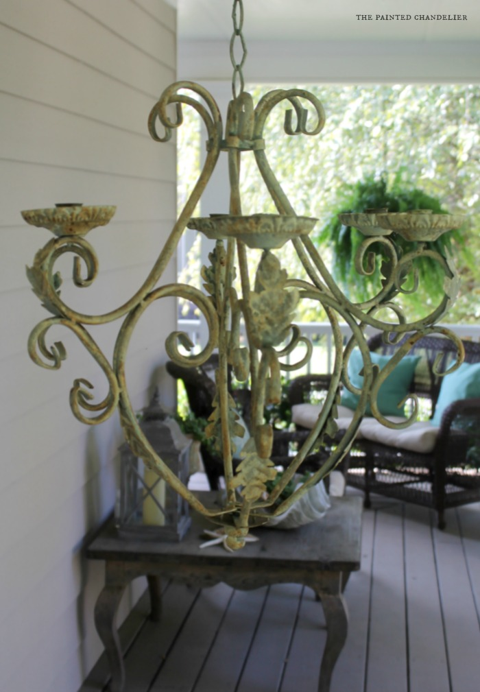 crusty-chandelier-side-porch-table-setting-the-painted-chandelier