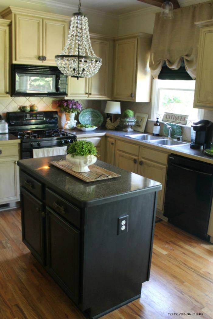 black-kitchen-island-kitchen