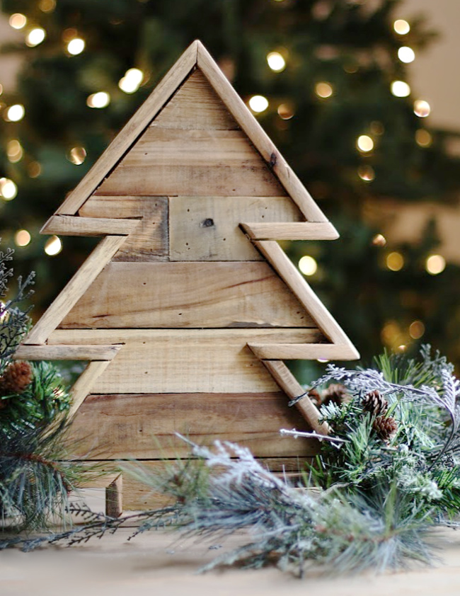 Ready or not, here comes Christmas! – The Farmhouse Friday Link Party Week 83