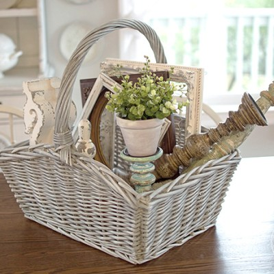 Farmhouse Style Basket Makeover with Chalk Paint