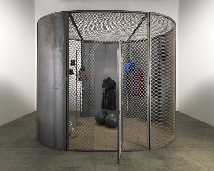 Louise Bourgeois, Cell (Black Days), 2006