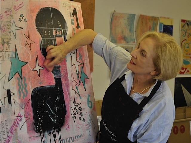 Sue-Munson-at-work-in-the-studio