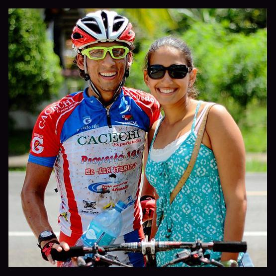 Héctor and Mónica