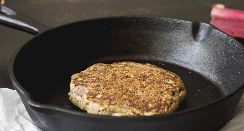 Rhubarb Crumble Pancakes // The Pancake Princess