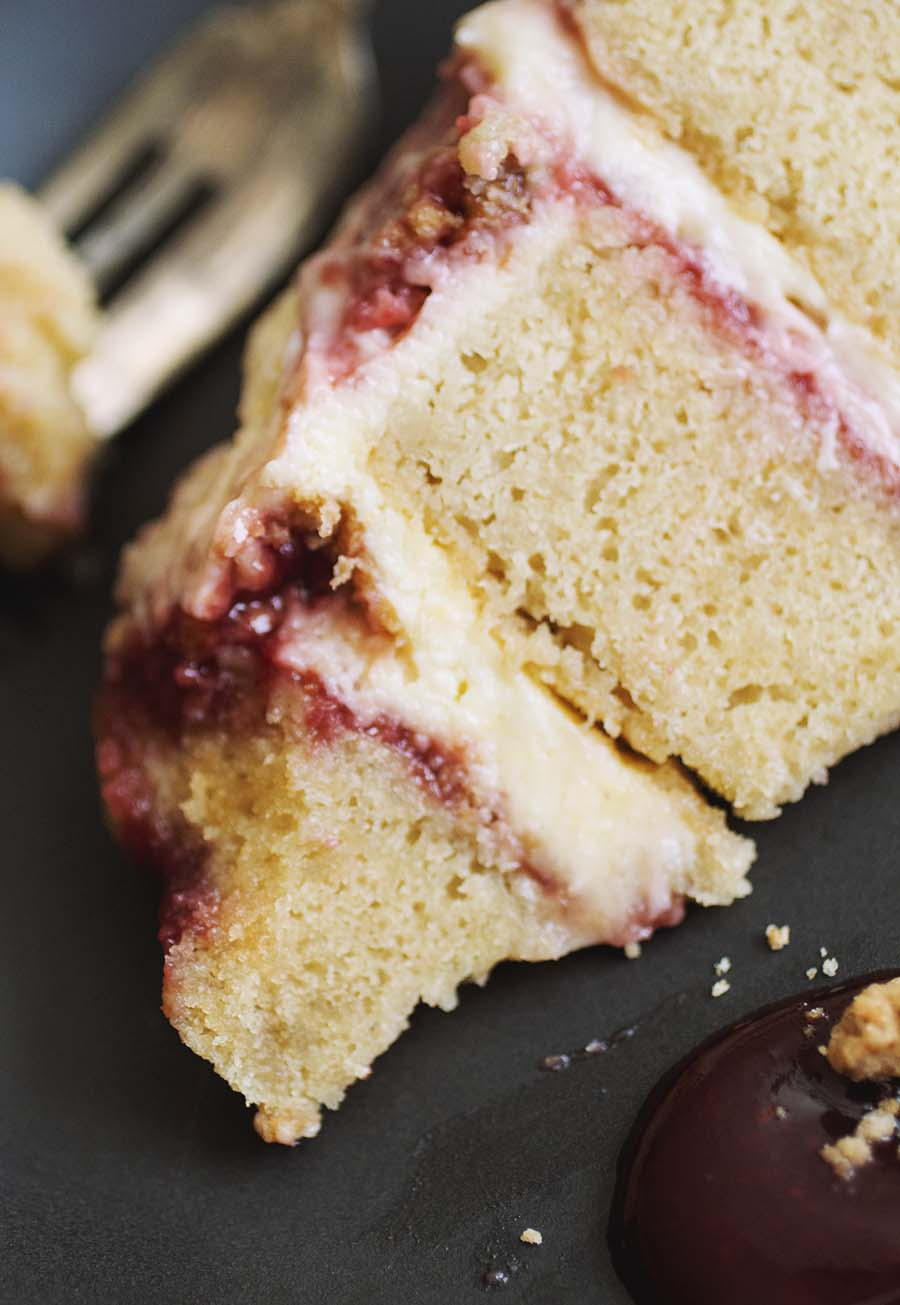 momofuku strawberry lemon cake // The Pancake Princess