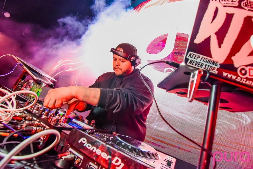 DJ Zay DJing live