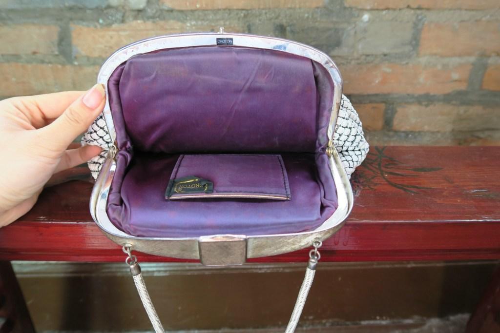 Oroton 60s vintage mesh bag inner view