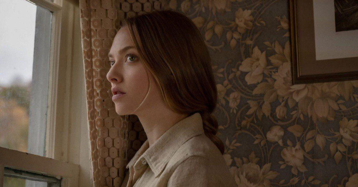Netflix Things Heard and Seen: Natalie Dryer and Amanda Seyfried.