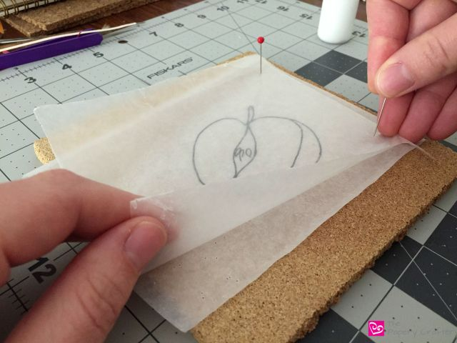 Using a template sketch for quilling paper crafts || www.thepaperycraftery.com