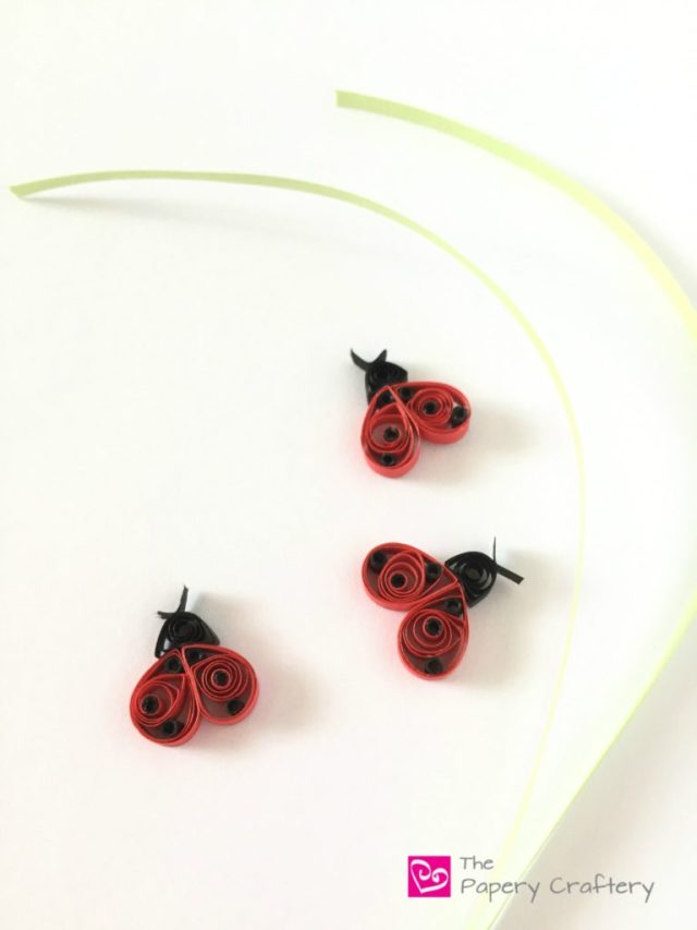 Quilling Paper Ladybugs with Grass - Quilling Paper Ladybugs