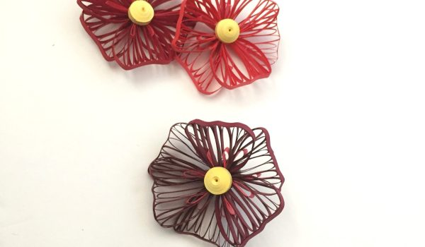 How to Make a Quilling Paper Flower with the Husking Technique - Light and fluttery flower petals with loads of texture -- www.thepaperycraftery.com