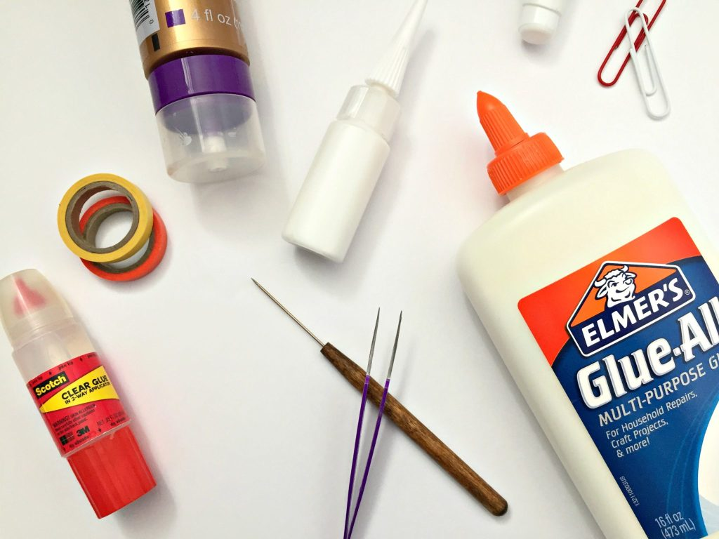 4 Types of Glue Every Quilling Artist Needs (and when to use them!) ~ The only glues you need for every quilling craft! || www.ThePaperyCraftery.com
