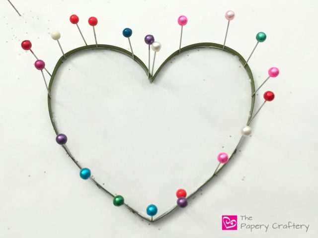 Quilling Paper Flowers and Vines Heart ~ A simple and pretty mix of traditional and modern quilling techniques | | www.ThePaperyCraftery.com