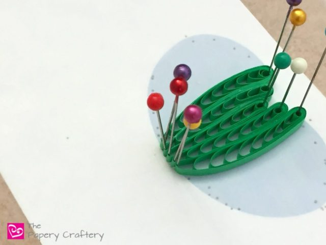 Quilling Paper Water Lilies ~ Brush up on your 3D quilling and quilling comb techniques with my latest tutorial || www.ThePaperyCraftery.com