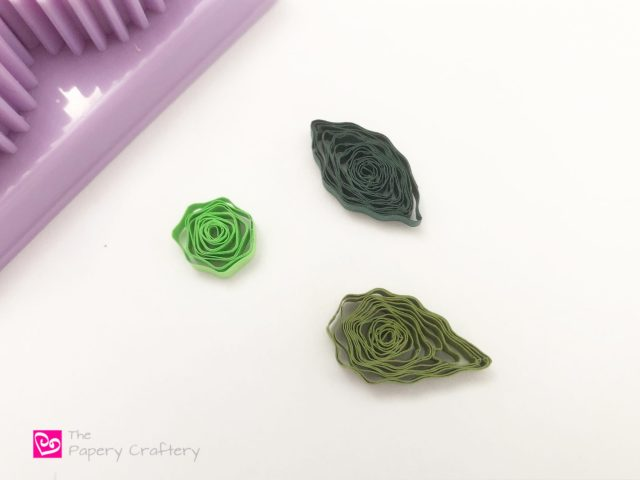 How to Use a Quilling Paper Crimper ~ Add a little texture with this inexpensive tool! || www.ThePaperyCraftery.com