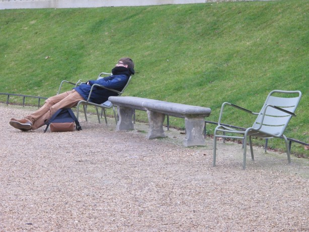 dormeur jardin du Luxembourg