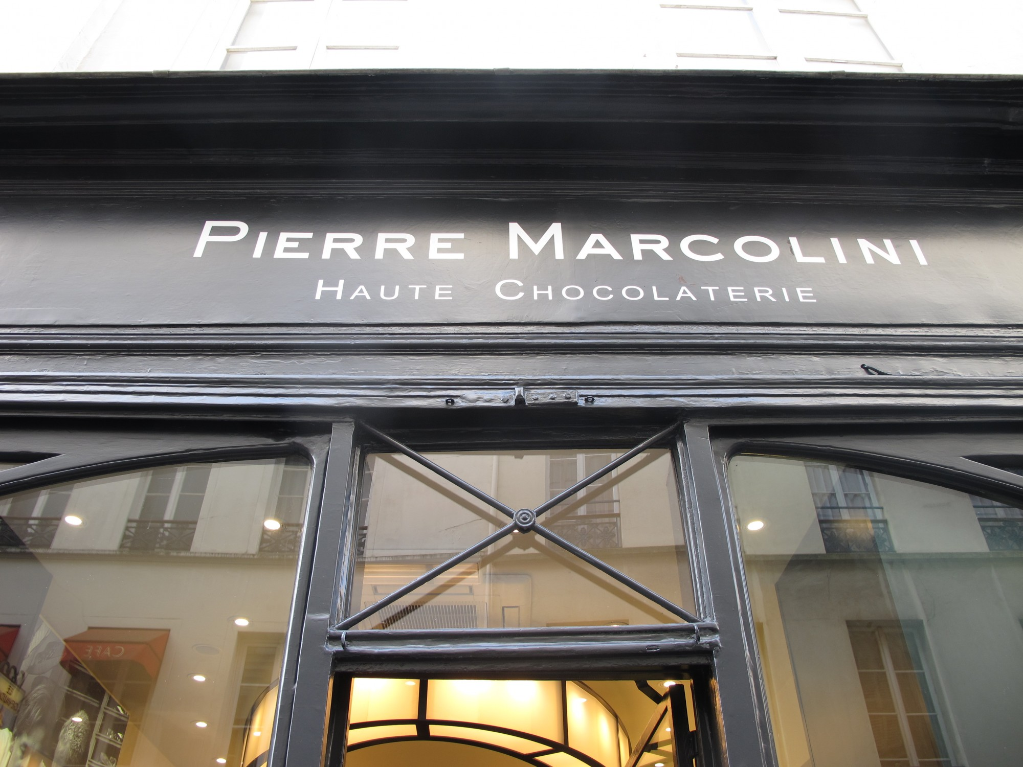enseigne Marcolini rue du Bac