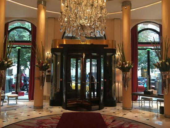 Plaza Athénée - le lobby