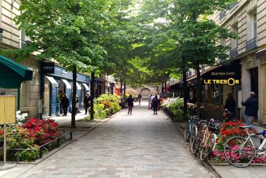 Terrasse parisienne - Le Trésor