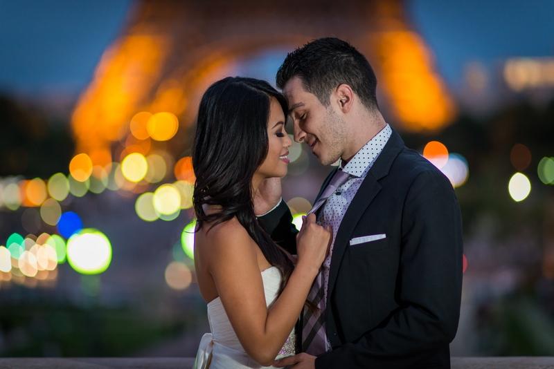 Love on the honeymoon in Paris
