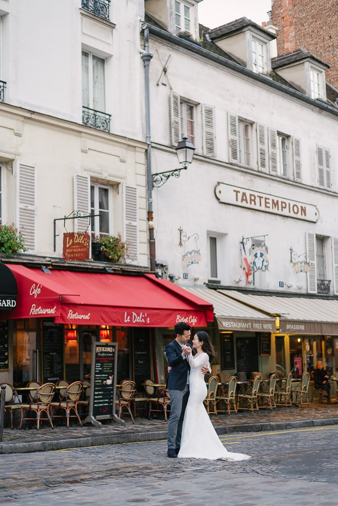 Romantic couple dancing in the streets of Montmartre