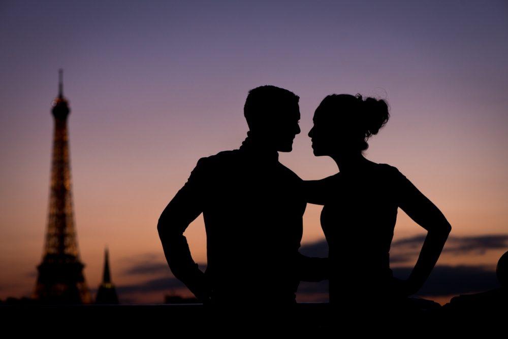Paris elopement of Samantha and Paul by the Paris photographer