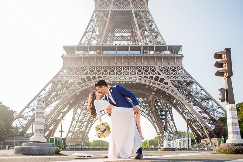 Engaged in Paris: the most romantic kiss in front of the Eiffel Tower