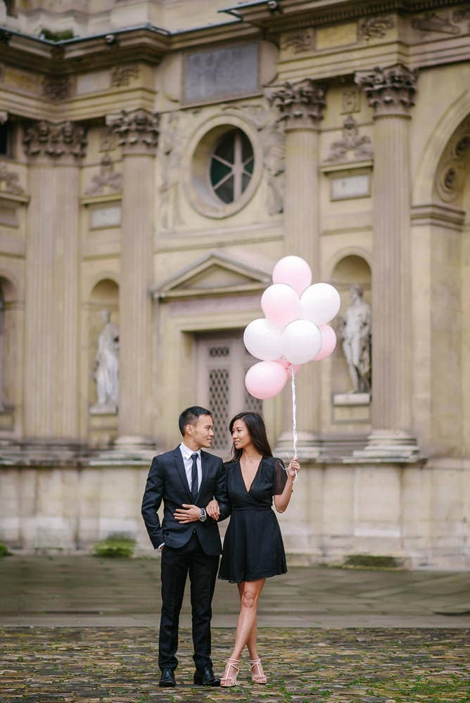 couples galleries with balloons