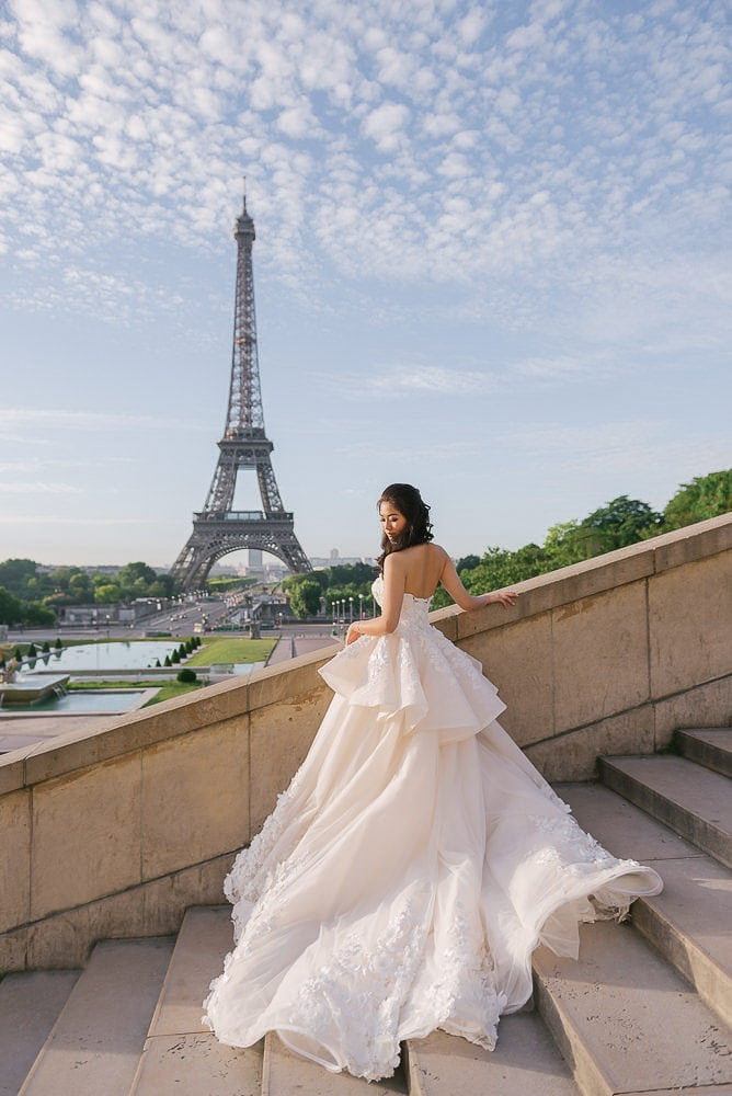 eloping in paris asian bride posing for her bridal portraits