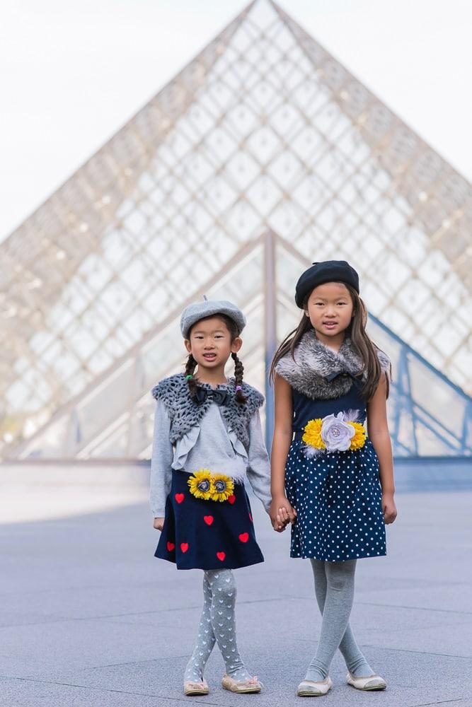 family photo shoot in paris 24