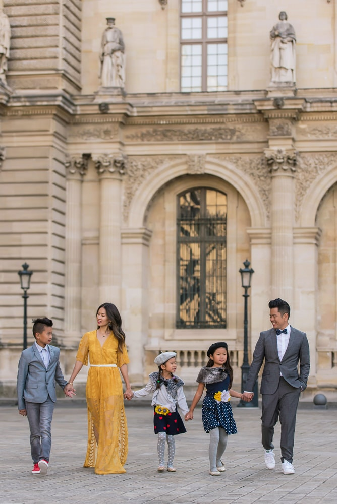 family photo shoot in paris 34
