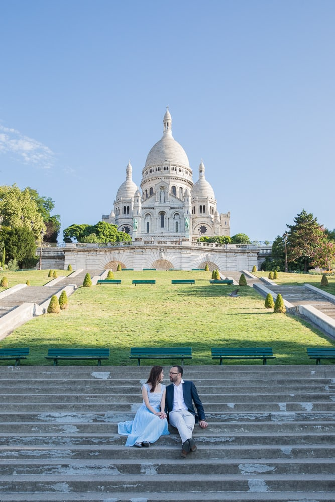 Sacre Coeur pre wedding photo in Paris