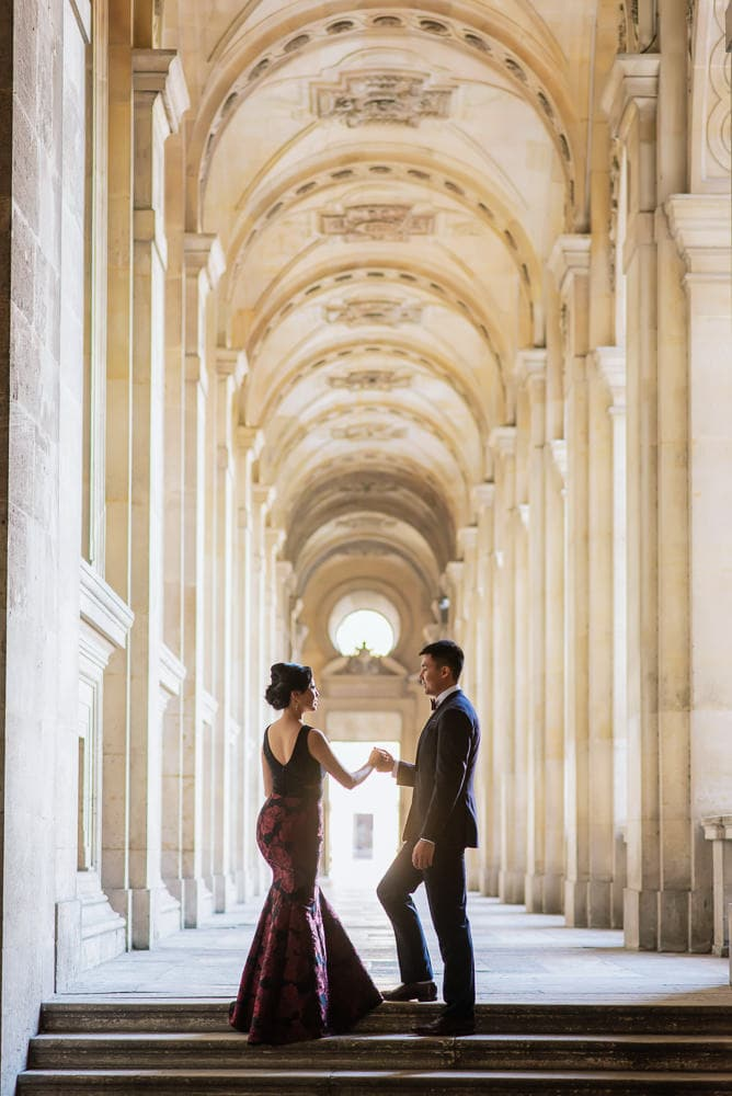 Pre wedding photos in Paris by the Louvre Museum