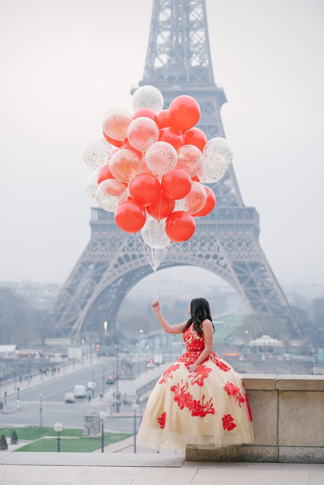 pictures with balloons by The Paris Photographer for quince