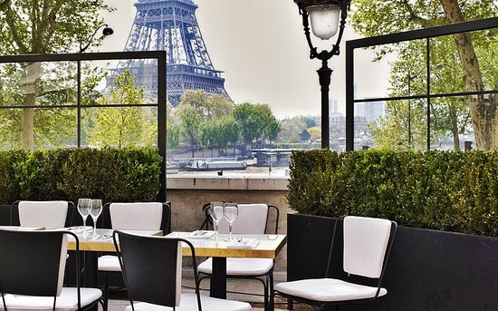 Monsieur Bleu restaurant eiffel tower view