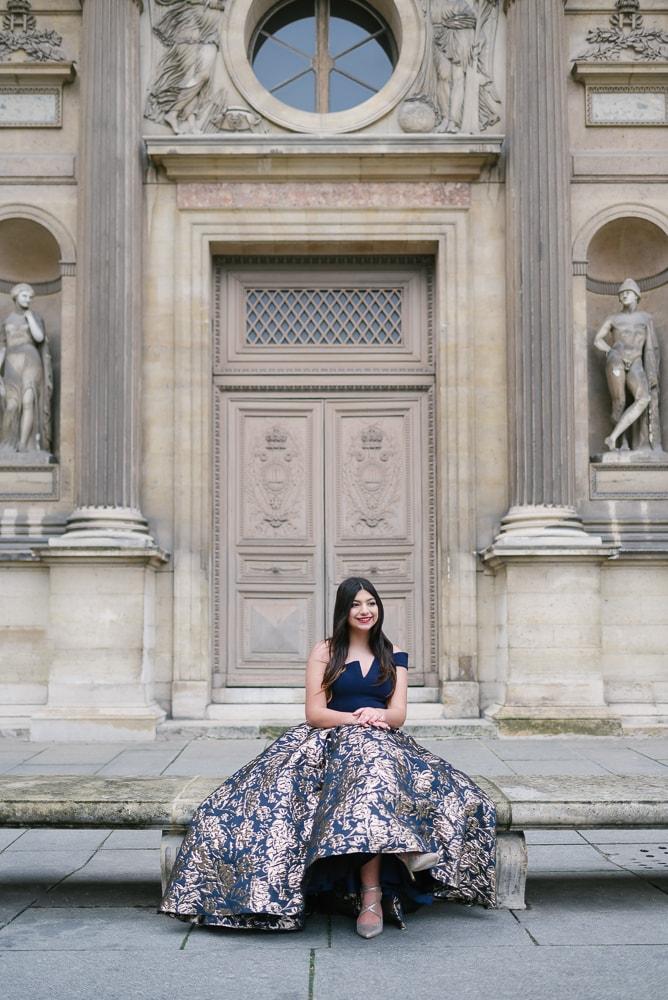 quinceanera photoshoot in paris at louvre