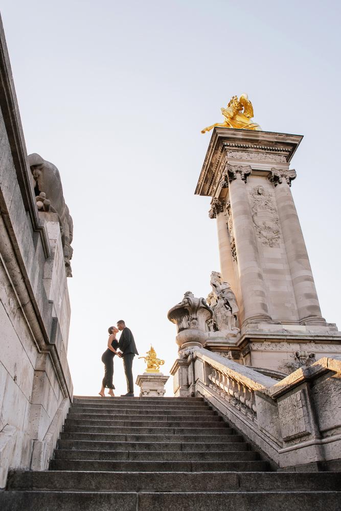 English speaking photographer in Paris - engagement photos on Alexander 3 bridge