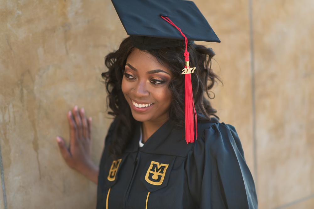 Graduation photos in Paris 16