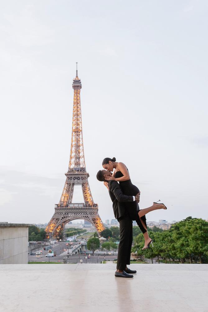 Proposal in Paris Eiffel Tower 4