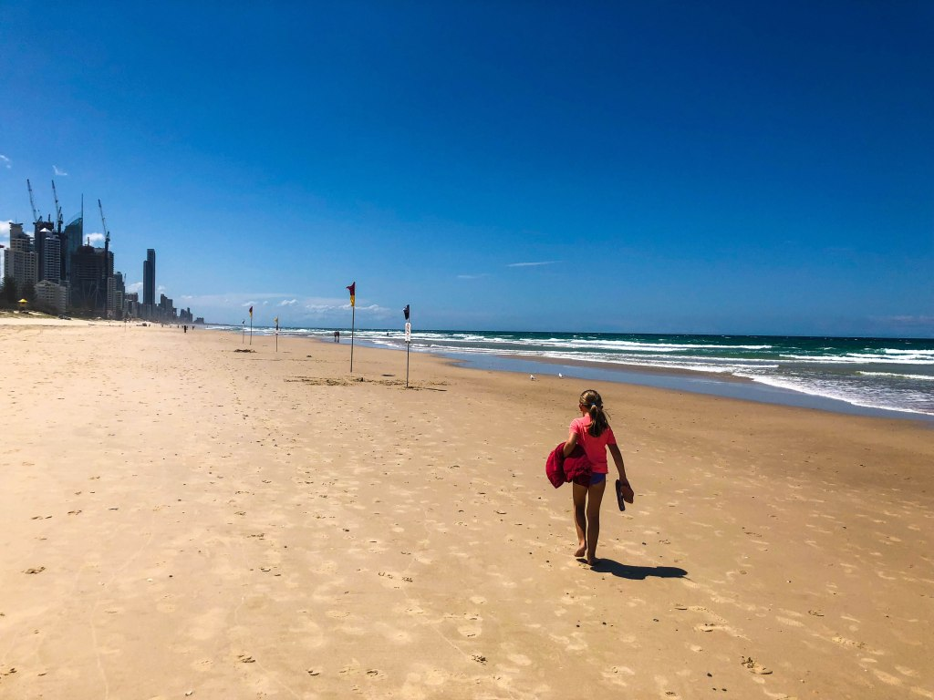 Find out the best 4 week itinerary for Australia with kids. Including Sydney, Great Barrier Reef, Whitsunday Islands, Melbourne, Gold Coast, Great Ocean Road, Fraser Island and Sunshine Coast. This itinerary includes all the best spots on the east coast of Australia tour. All the details you will need to plan your trip around Australia with your family. #australia #sydney #melbourne #greatoceanroad #fraserisland #greatbarrierreef #whitsunday #itinerary #roadtrip