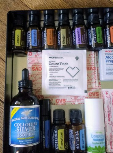 Make Your Own Essential Oil First Aid Kit | The Peaceful Haven